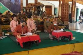 'Ngudi Murih Lestari lan Ngrembakaning Budaya'  melalui Gelar Macapat
